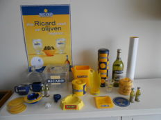 Lot with various Ricard advertising items, different ages.