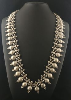 High-purity silver necklace - From Rajasthan (India), second half of the 20th century