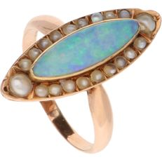 14 kt - Rose gold ring set with 20 seed pearls and a cabochon cut opal set in a marquise setting - Ring size: 18.5 mm