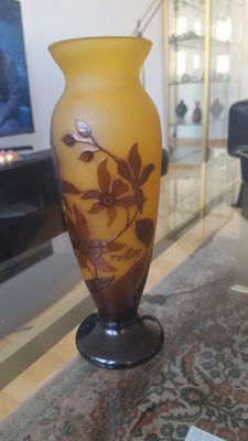 Montesy - Cameo glass vase