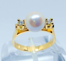 cocktail ring in 18 kt yellow gold - pearl and diamonds