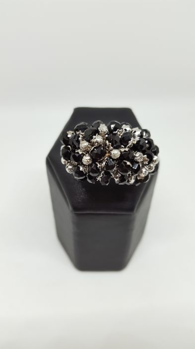 White gold ring, 750/1000 purity with onyx - Size 17