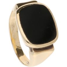 14 kt Yellow-gold ring by the brand Constant, set with an onyx