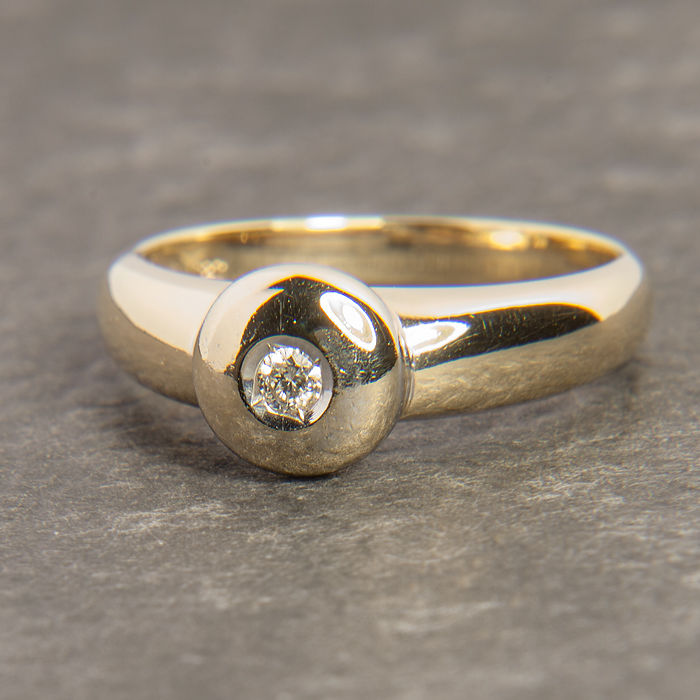 14K Solitaire Engagement / Entourage Ring Diamond in brillant cut of c. 0,06 Ct  RS 56 : US: 7,5 : 17,8 mm∅