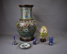 Large lot of bronze cloisonné - China - late 20th century