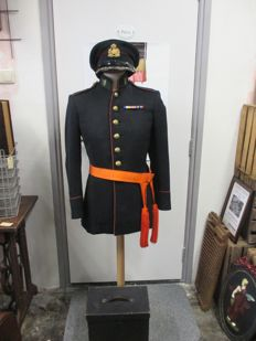 Uniform of the garrison commander of the Limburg hunters.