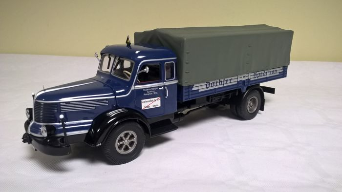 Minichamps - Scale 1/43 - Krupp Titan Canvas Truck Dachser (1952) - First edition of 2001