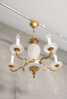Crystal chandelier with five light points