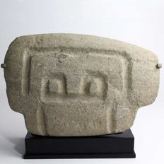 A Valdivian Stone Abstract Head - Height: 13.3 cm (5.25 inches). Width: 20.26 cm (7.98 inches)