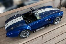 Uniek handcrafted Model - Scale 1/4 - AC Cobra 427 MkIII - Blue with white stripes