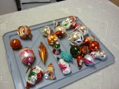 Lot of 26 antique and vintage Christmas baubles