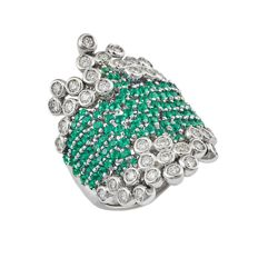 18 kt white gold ring with emeralds for 2.44 ct and diamonds for 1.29 ct
