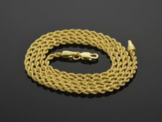 18k Gold Necklace. Chain. Cord - 50 cm. Weight 3.59 g. No reserve price.