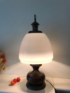 70 cm table lamp with porcelain shade Netherlands