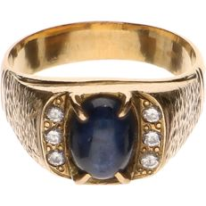 14 kt Yellow gold ring with sapphire and 6 diamonds - Ring size: 19 mm