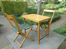 Lot: garden table (JOSCO) and two chairs, all collapsible (Belgium), 1950s/1960s