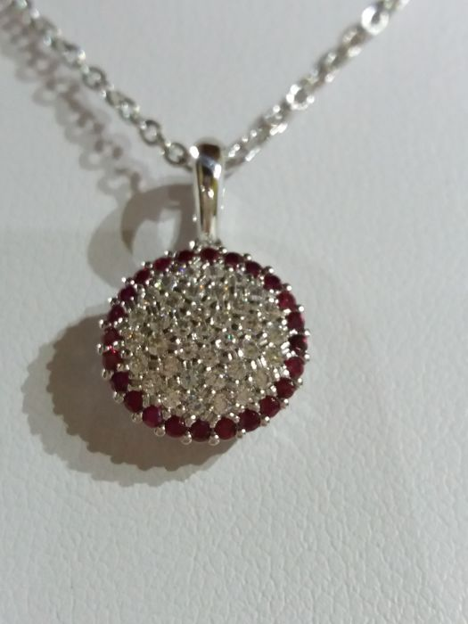 Necklace with pendant in 18 kt gold with white and red zircons - 40 cm