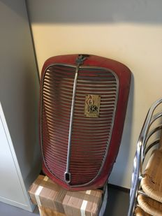 Ford Model 85 grill in good used condition