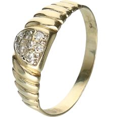 14 kt yellow gold ring set with 7 round brilliant cut diamonds with a total of approx. 0.07 ct - Ring size: 18.5 mm
