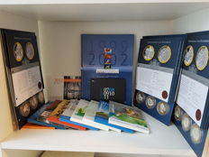 The Netherlands - year collections, commemorative coins & medals 1999/2016 - 24 items