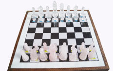 Ross Quartz & Crystal Chess with Wooden Box -2280 Grams - 32 x 32 cm