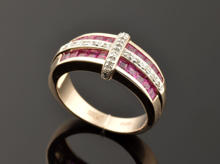 Ring - Gold (.585) - Rubies - Diamonds Size: 53 (17 mm in diameter)