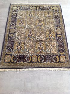 Original & Wonderful Iran Persian Ghom / Quom hand knotted 145x 110 cm Top Condition & Quality