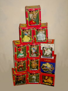 Disney, Walt - 12 Figurines/ornaments - Classic Masterpieces - Aladdin + the Beast + Snow White and more (1990s)