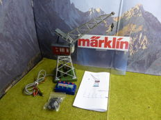 Märklin H0 - 7051 - Remote control multi-functional electric boom crane with lighting in the crane's cab, with control-box and magnet