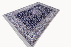 Fine authentic Nain Persian carpet 3.40 x 2.40 hand-knotted Oriental carpet with silk blue Great Quality