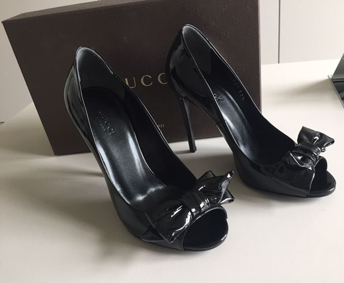 95c36017f15 Gucci - Black patent leather shoes - Catawiki