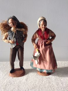Beautiful couple of Santons - Nativity scene figurines from the Provence - handcrafted out of clay - signed