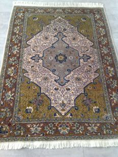 Original & beautiful Iran Persia Tabriz / Tebriz hand knotted 160x110 cm Top Condition& Quality