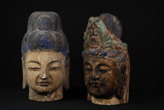 Lot with 2 Buddha heads (approx. 40 cm) - China - Second half/end of the 20th century