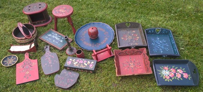 Lot of 18 pieces hand-painted Dutch folk art - Catawiki