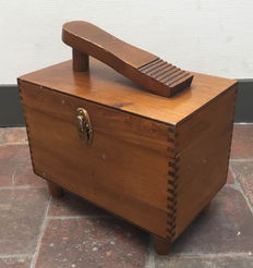 beautiful shoe grooming box with dovetails - ca. 1950 - France
