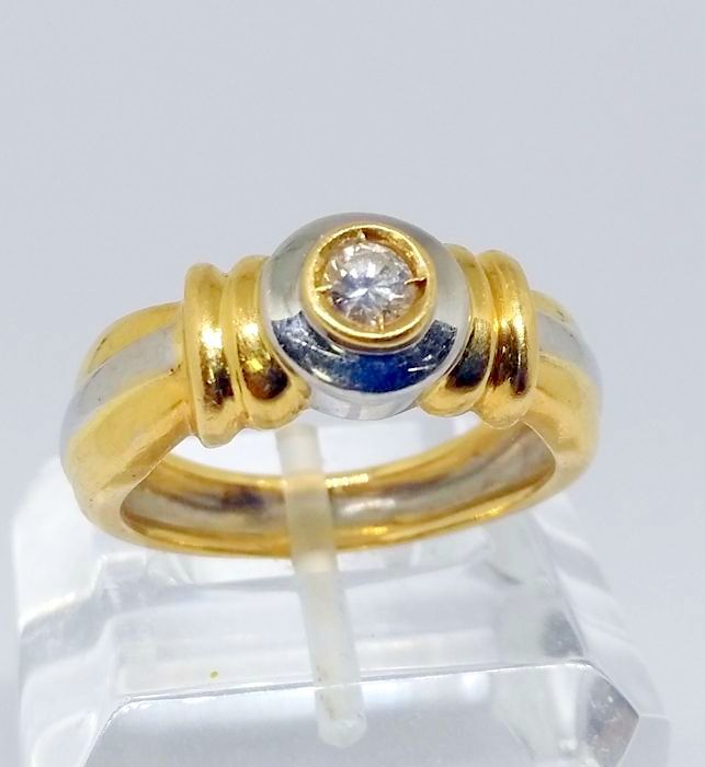 Cocktail ring in 18 kt yellow and white gold with central diamond - Inner measurement: 18.5 mm