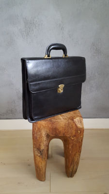 Leather black English briefcase with brass and leather handle and two keys