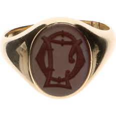 14 kt yellow gold signet ring set with cut carnelian - Ring size: 19.25 mm