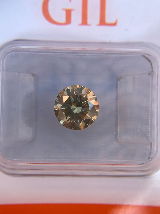 1.24-ct Yellow-Green Brilliant-Cut VS2 Diamond