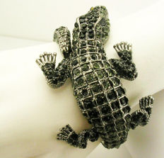 """Signed KENNETH JAY LANE - Spectacular Alligator clamper bracelet with crystals """"Couture Collection"""""""
