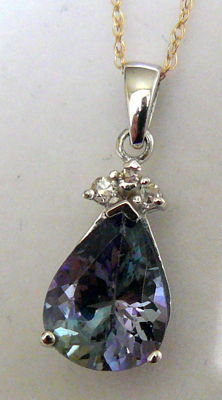 2.96 ct pendant with gold chain and natural tanzanite and diamonds ***no reserve price***