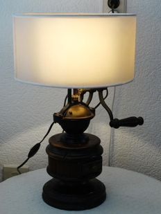 Old coffee grinder lamp - wood and cast iron - Italy - second half of the 20th century
