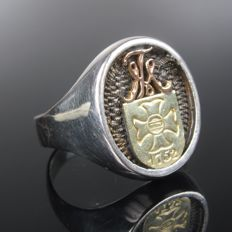 Silver and gold men's signet ring made of 800 silver and 585 gold