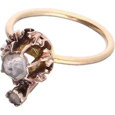 18 kt Yellow gold ring set with 2 rose cut diamonds in a rose gold setting - Ring size: 14.25 mm