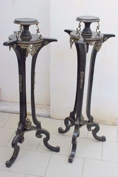 A pair of brass mounted black painted guéridons - Italy - circa 1900