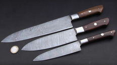Set of three handcrafted Damask knives - 1 long chef's knife, 1 Santoku chef's knife, 1 shorter chef's knife -handle made of rosewood - 200 + layers damask steel