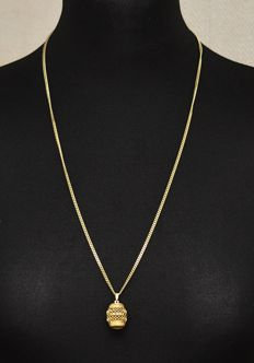 Gold necklace (14 kt) with a gold pendant - a cutaway barrel (14 kt)