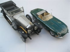Franklin Mint - Scale 1/24 - 1925 Rolls-Royce Silver Ghost & 1961 Jaguar E-Type