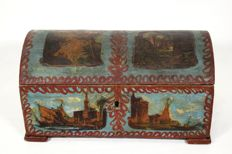 Lacquered trinket box - Italy - 19th century